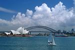 Foto, Bild: Blick vom Mrs. Macquaries Point zum Sydney Opera House und zur Sydney Harbour Bridge