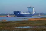 Containerschiff EILBEK fährt von der Meyer Werft die Ems hinunter zur Probefahrt