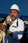 Bootsmann beim Anlegemanöver an der Festmacher-Winsch