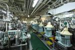 Separatoren Aufbereitungsanlage für den Kraftstoff (hinten) und Schmieröl (vorne)