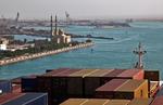 Suezkanal, Sueskanal (Suez Canal), Schiffskonvoi fährt von Süden kommend an Suez vorbei in den Suezkanal (Sueskanal)