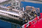 Löschbrücke mit Ladeschläuchen und Rohren am Tanker Terminal von Alexandria, Ägypten