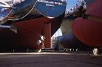 Containerschiff-Neubauten in Dock 3 der grössten Werft der Welt, der Hyundai Heavy Industry Shipyard Ulsan